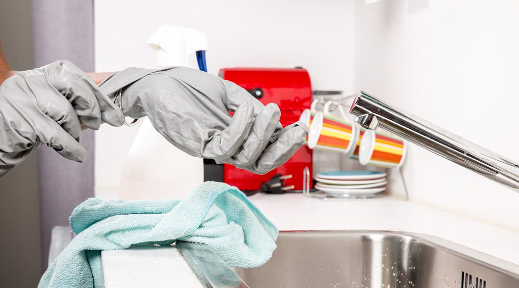 zebagmbh-sanitaer-reinigen-entkalken